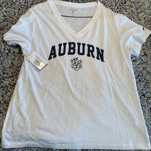 Auburn v-neck tee